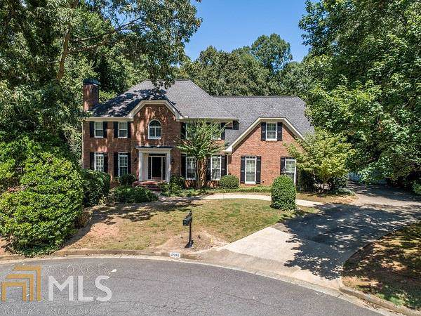 8585 Olde Pacer Pt, Roswell, GA 30076 (MLS #8678814) :: The Durham Team