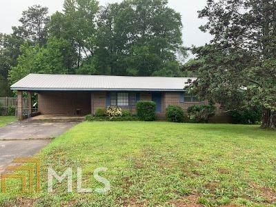 1221 Ethridge Mill Rd, Griffin, GA 30224 (MLS #8794704) :: The Heyl Group at Keller Williams