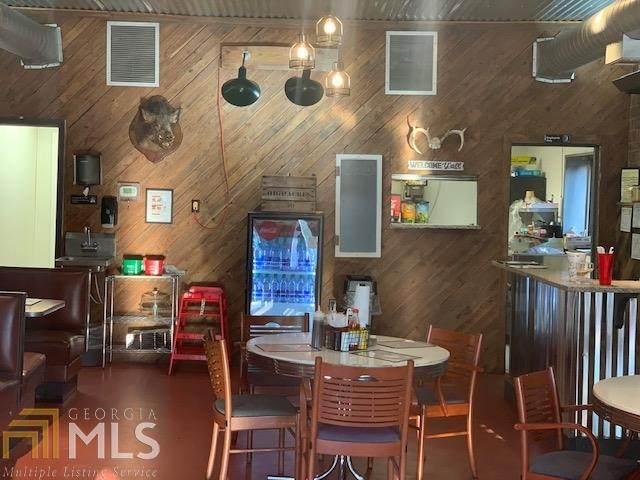 665 Main St, Whitesburg, GA 30185 (MLS #8795843) :: Tim Stout and Associates