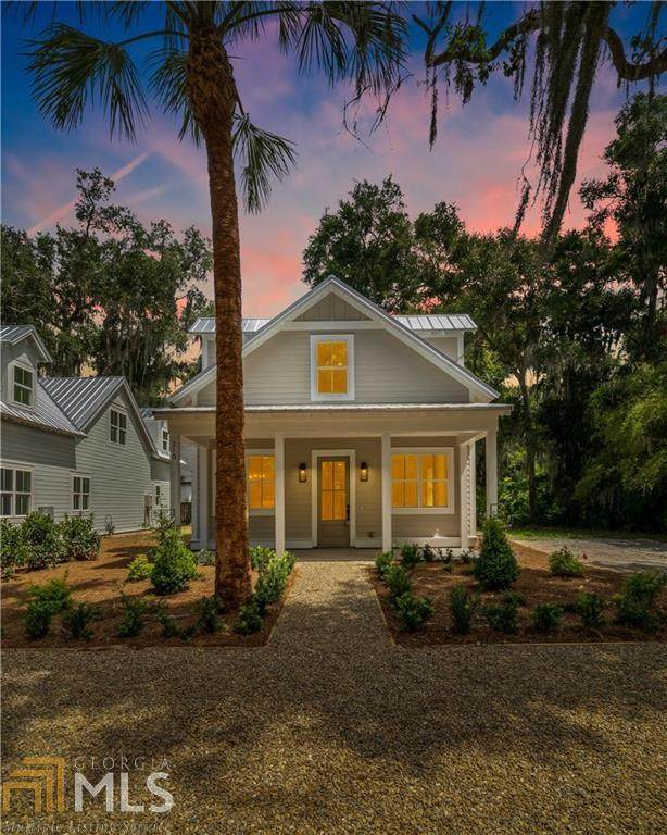 210 Menedez Ave, St. Simons, GA 31522 (MLS #8830967) :: The Heyl Group at Keller Williams