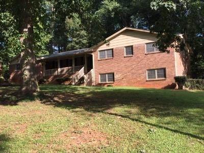 3157 Sunnyford Ln, Lithonia, GA 30038 (MLS #8860375) :: Anderson & Associates