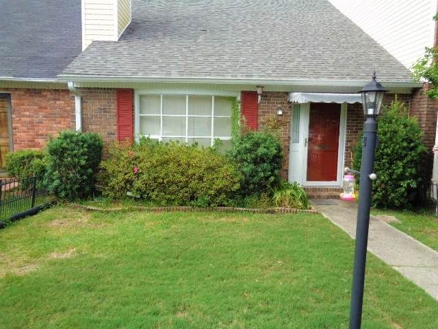 124 N Springs Ct, Macon, GA 31210 (MLS #8875231) :: Crown Realty Group