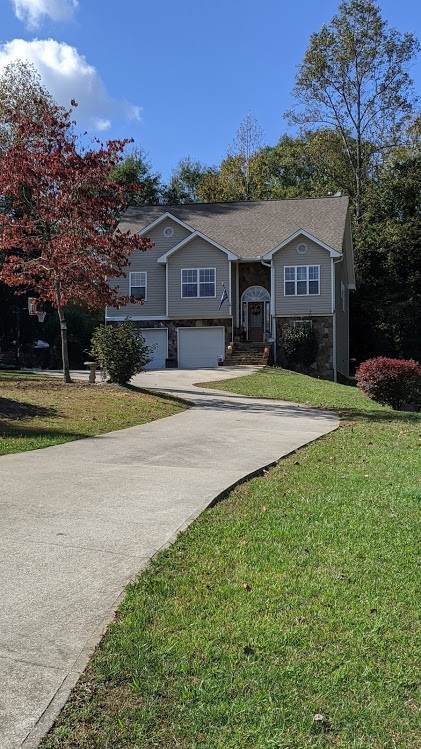 147 Crest Winds Dr, Clarkesville, GA 30523 (MLS #8878101) :: Tim Stout and Associates