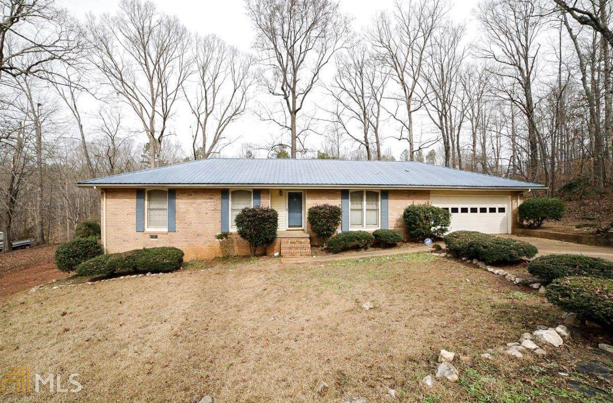 1374 Pine Hill Dr - Photo 1