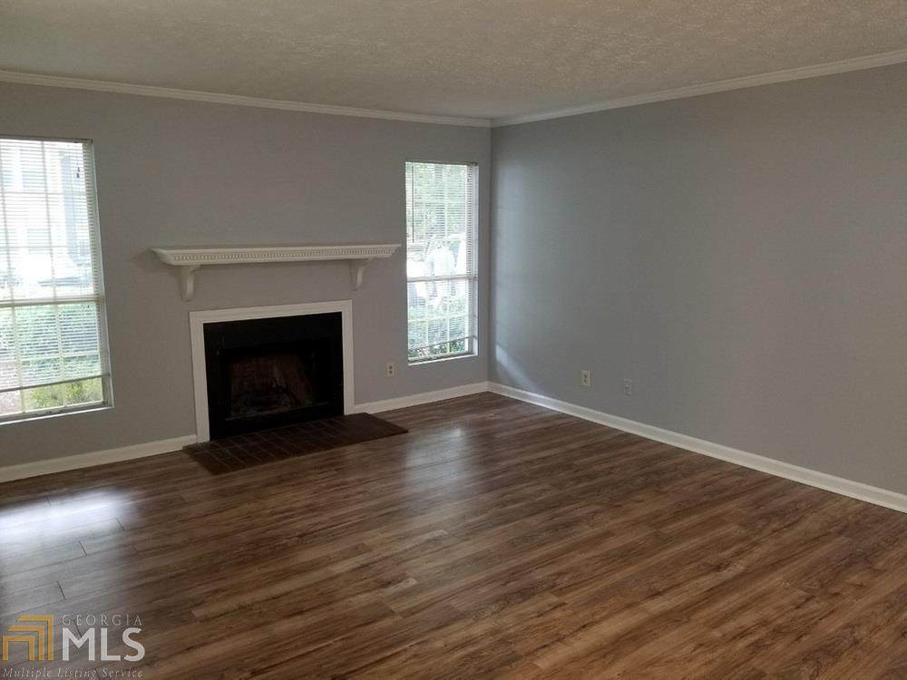 127 Sterling Ct - Photo 1
