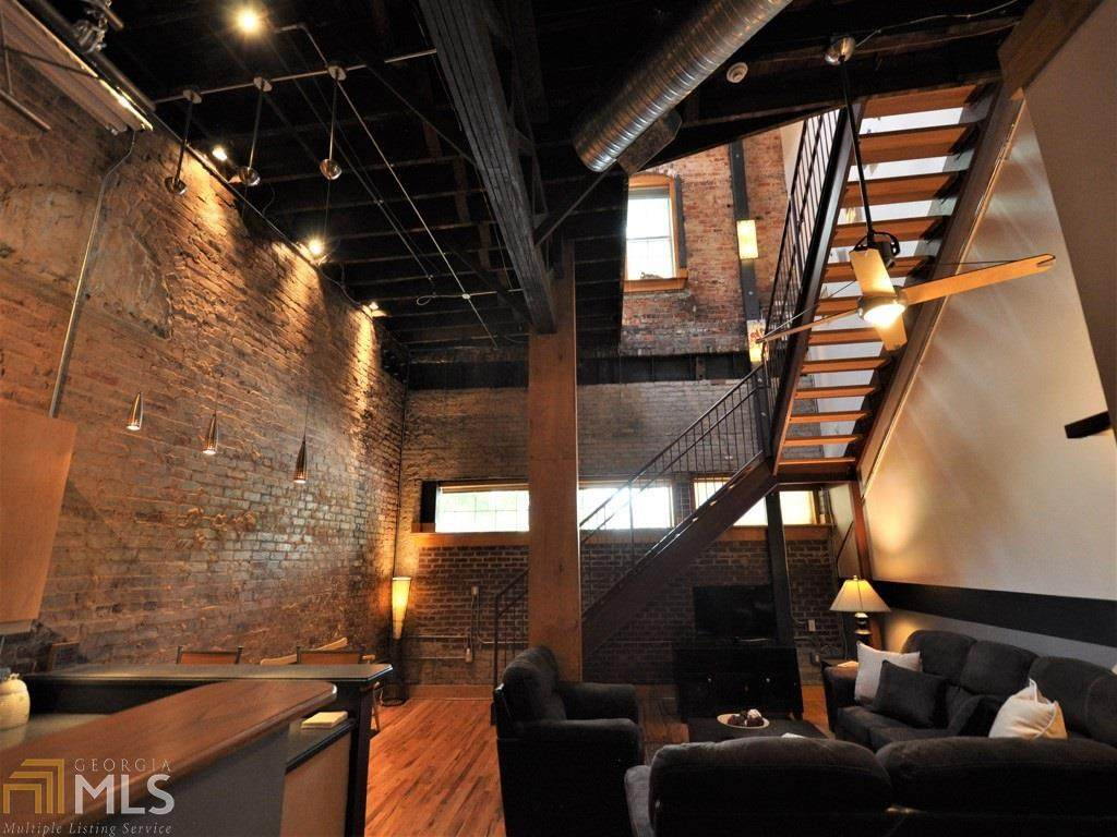 267 Peters St - Photo 1