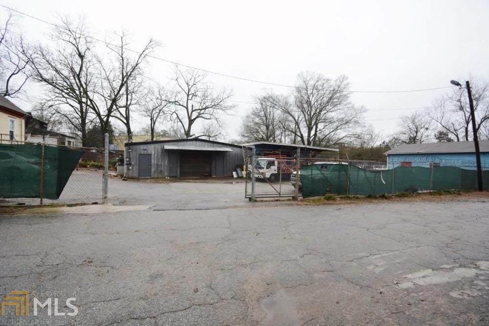 324 Clarendon Ave - Photo 1