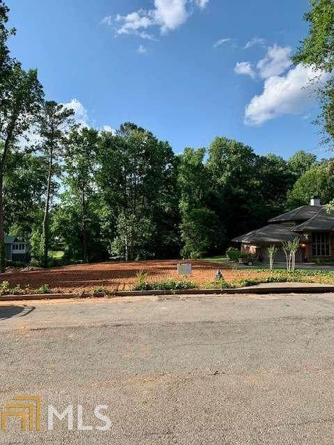3813 N Cooper Lake Rd, Smyrna, GA 30082 (MLS #8985929) :: Crown Realty Group