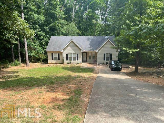 684 Raven Springs Trail, Stone Mountain, GA 30087 (MLS #8998811) :: The Realty Queen & Team