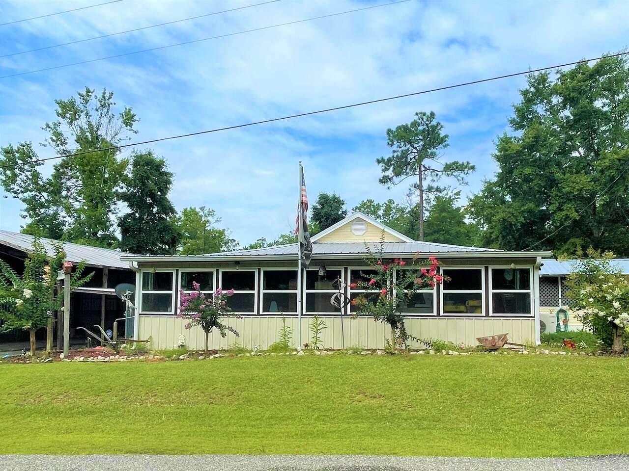 147 Lakeview Drive - Photo 1