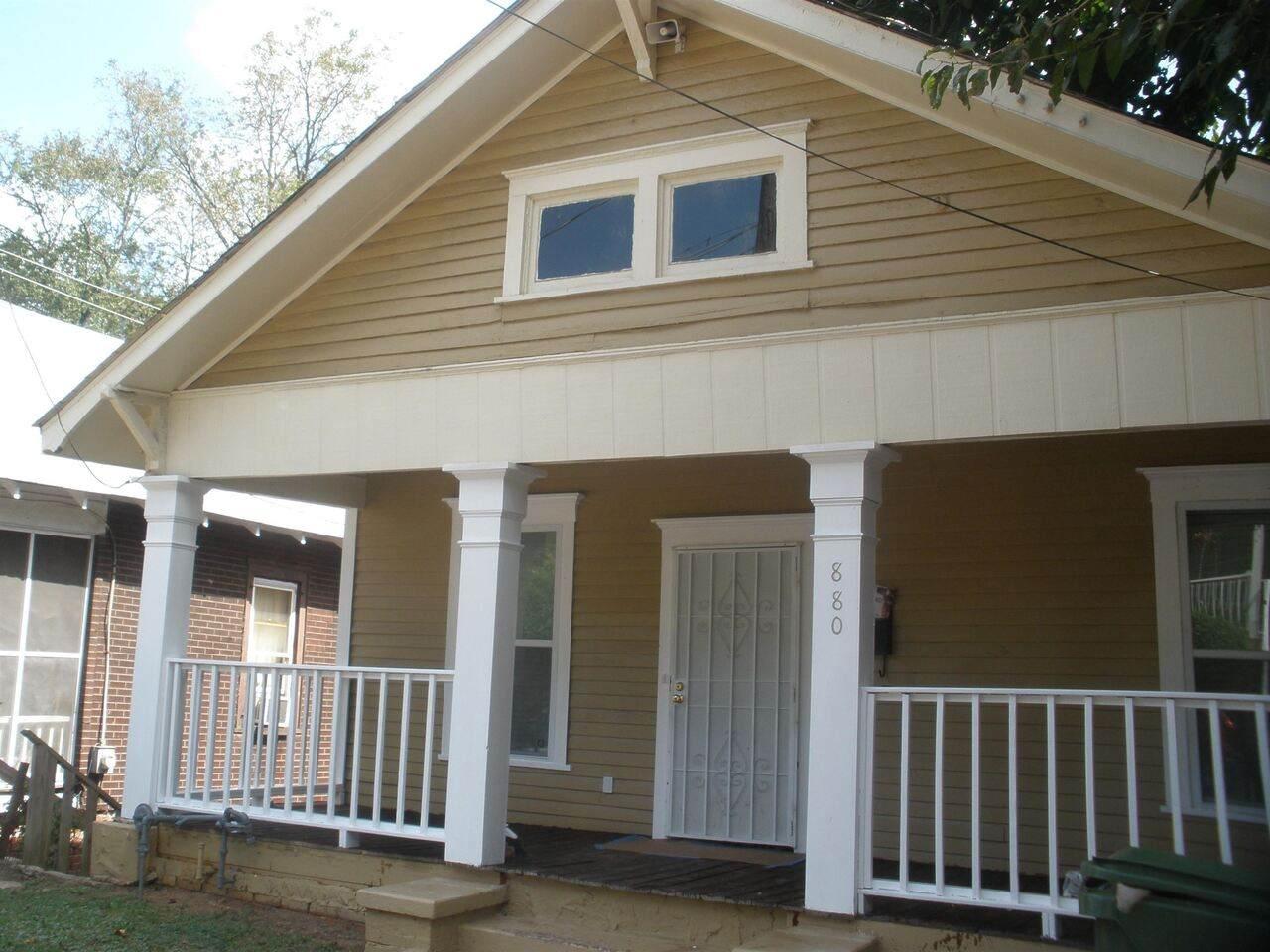 880 Oakhill Avenue - Photo 1