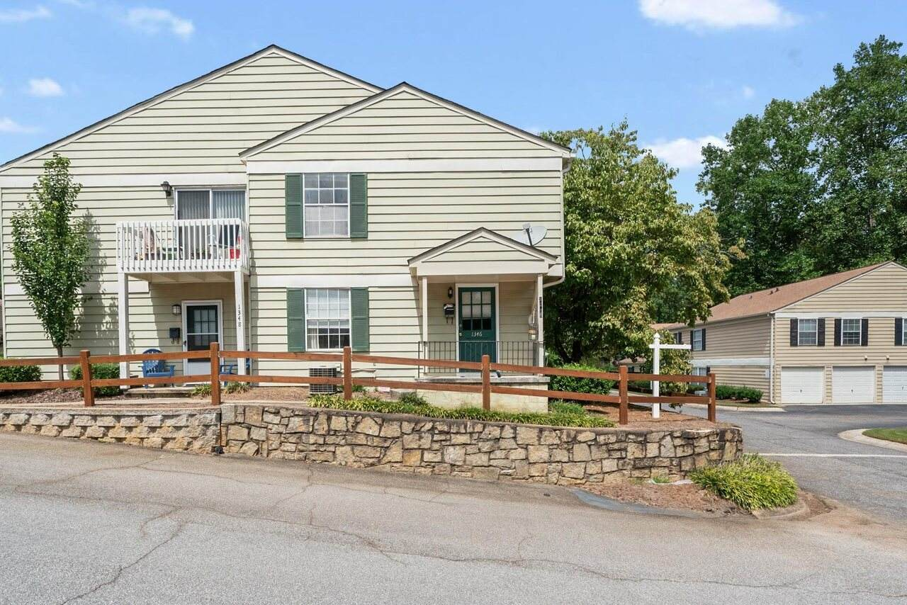 1346 Old Coach Road - Photo 1