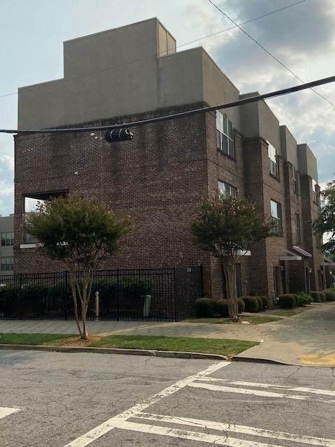 238 Walker Street - Photo 1
