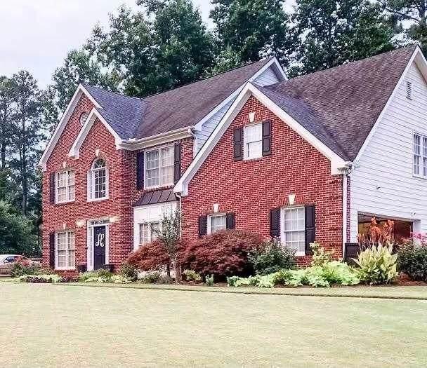 560 Silverberry Lane, Sugar Hill, GA 30518 (MLS #9051156) :: Bonds Realty Group Keller Williams Realty - Atlanta Partners