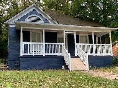 1290 Campbellton Road SW, Atlanta, GA 30310 (MLS #9052717) :: The Heyl Group at Keller Williams
