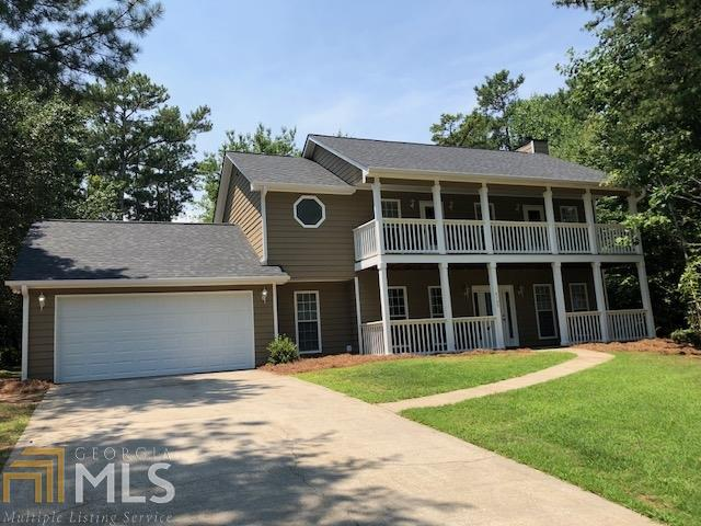 6709 Thornwood, Flowery Branch, GA 30542 (MLS #8414412) :: The Durham Team