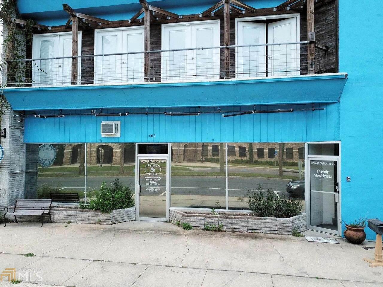 605 Osborne Street - Photo 1