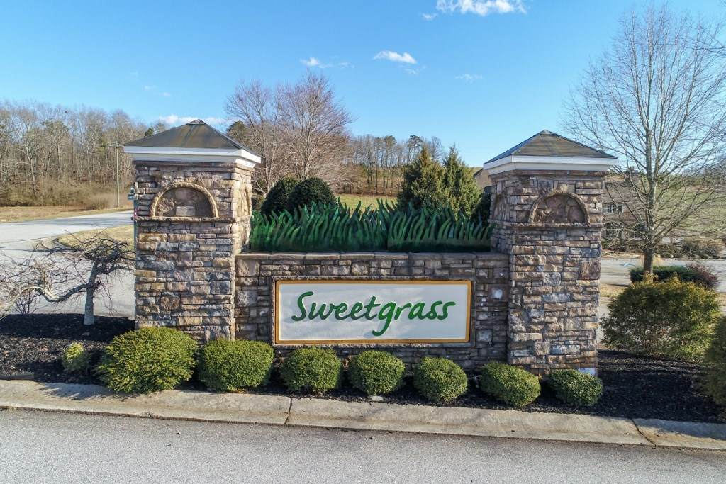 654 Sweetgrass Dr - Photo 1