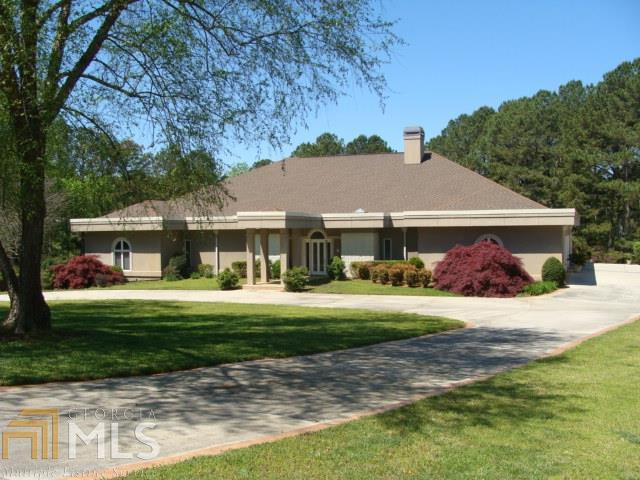 1391 Green Turf Dr, Snellville, GA 30078 (MLS #8558808) :: DHG Network Athens