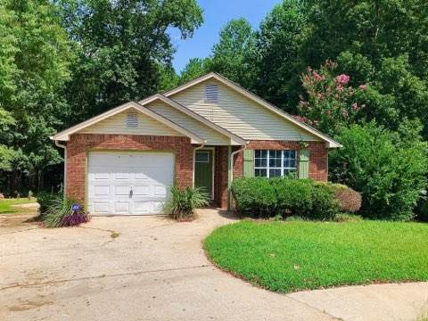 220 Oakwood Cir, Stockbridge, GA 30281 (MLS #8854298) :: The Durham Team