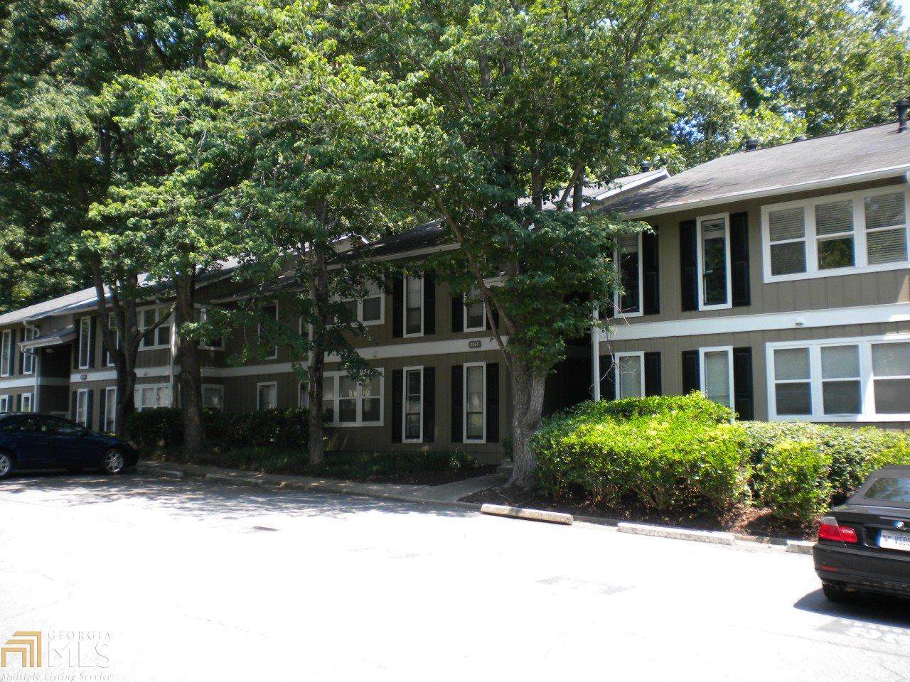 5157 Roswell Rd - Photo 1