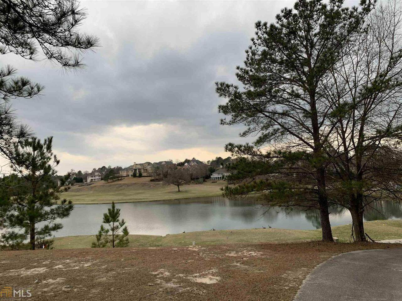 426 Southern Oaks Drive - Photo 1