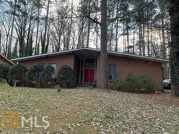 4616 Greenleaf Cir, Atlanta, GA 30331 (MLS #8997387) :: Rettro Group