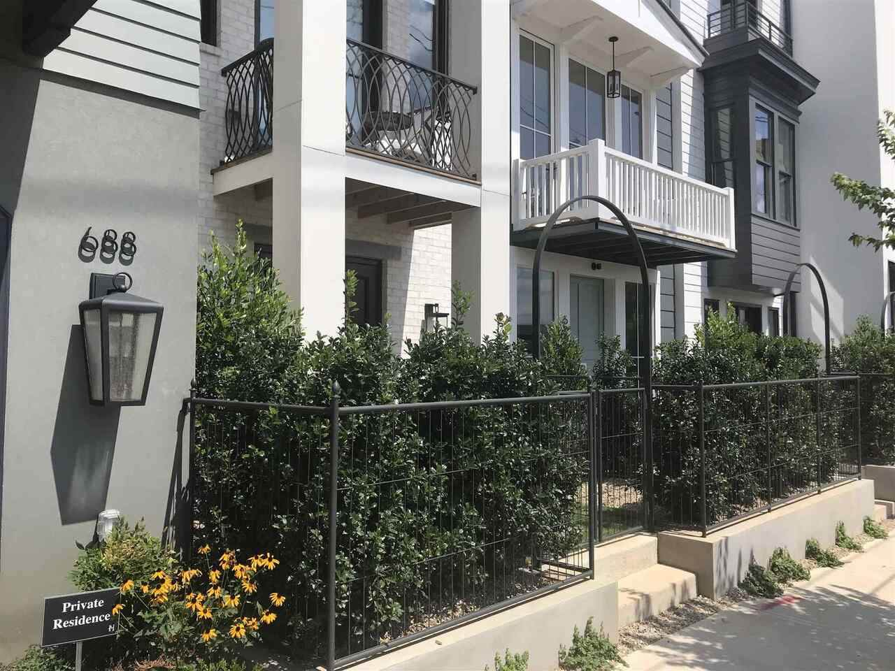 691 Fraser Street - Photo 1