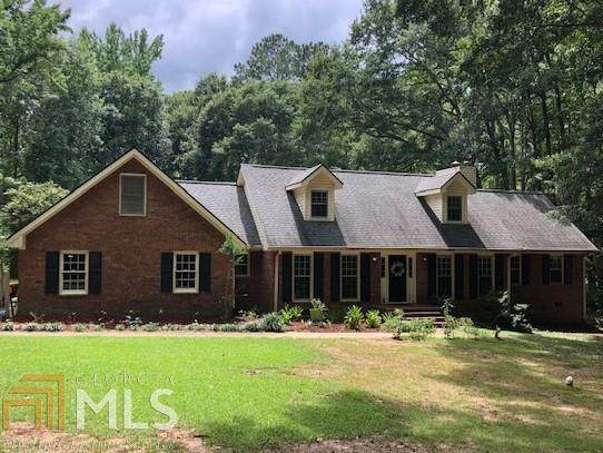 454 Hickory Ln, Griffin, GA 30223 (MLS #9012291) :: Tim Stout and Associates