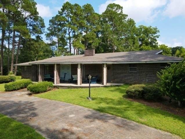 201 W Meadowlake Parkway, Swainsboro, GA 30401 (MLS #9028203) :: The Heyl Group at Keller Williams