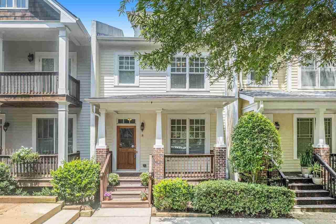 8 Oakhurst Terrace - Photo 1