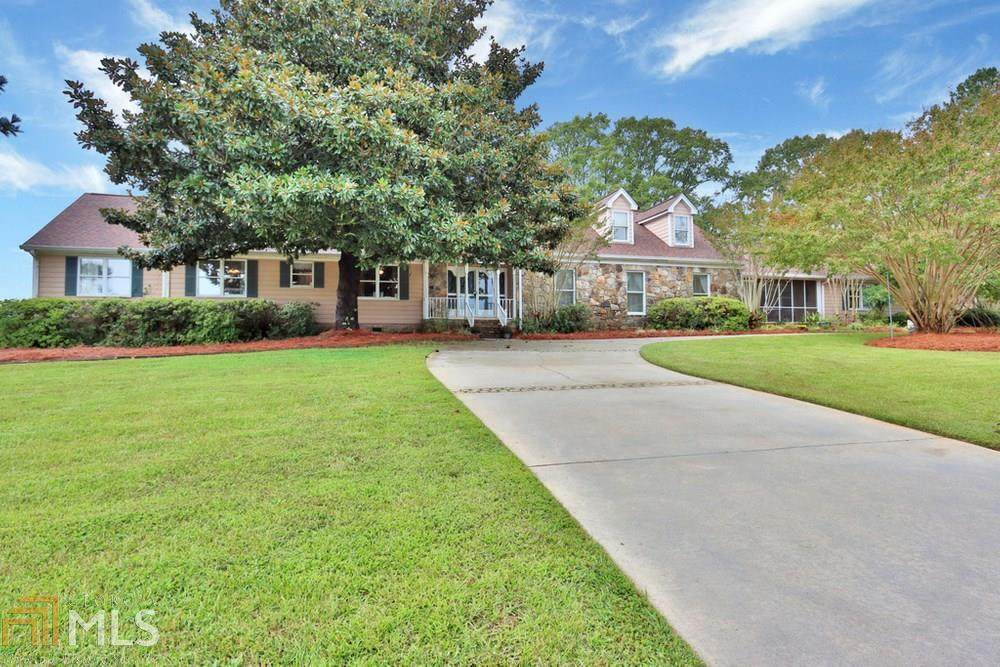 1010 Country Ln - Photo 1