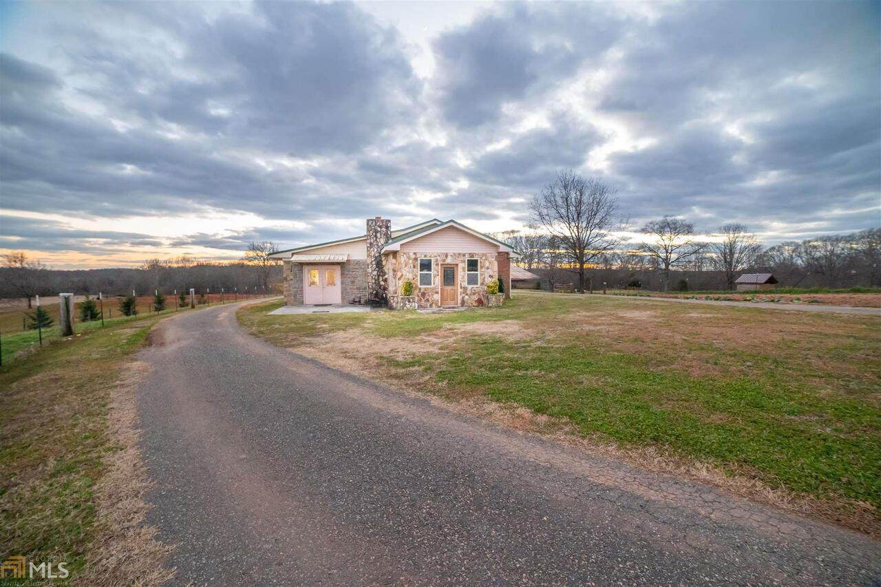 426 Mulberry River Road - Photo 1