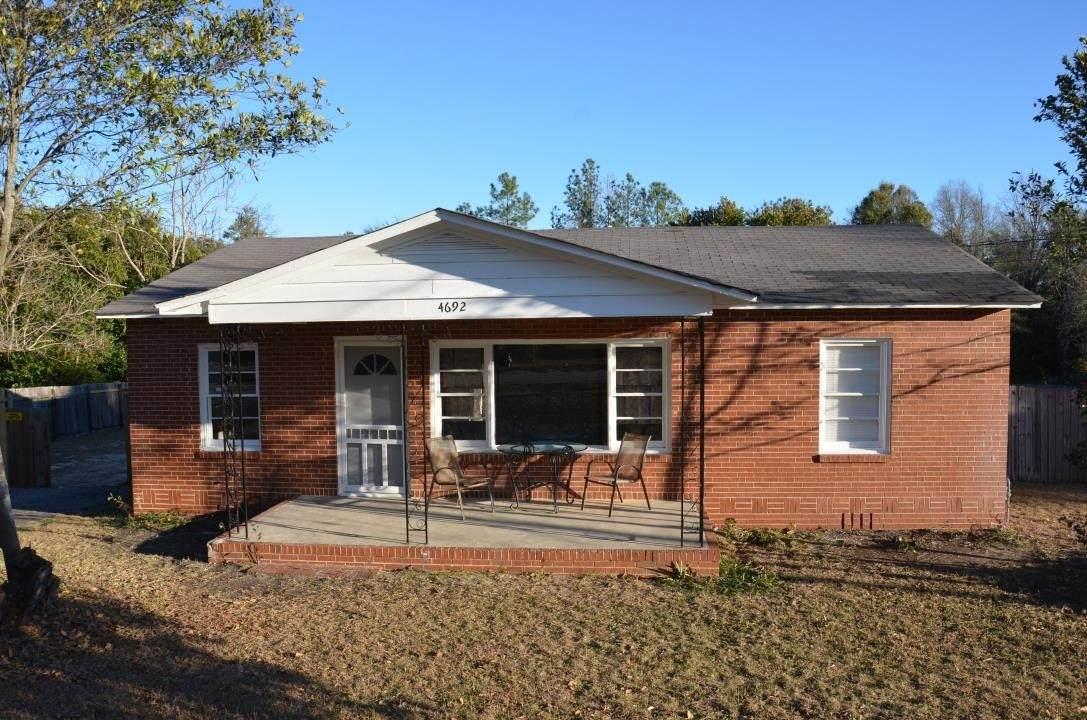 4692 Bloomfield Road - Photo 1