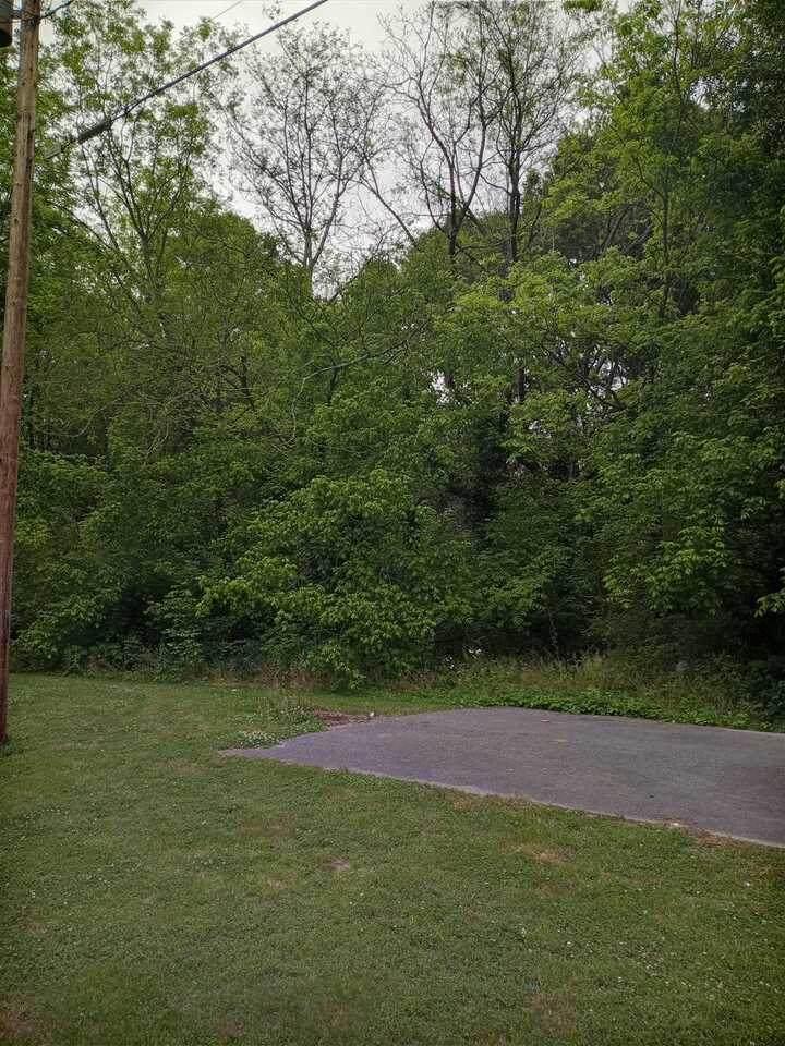 938 Davenport - Photo 1