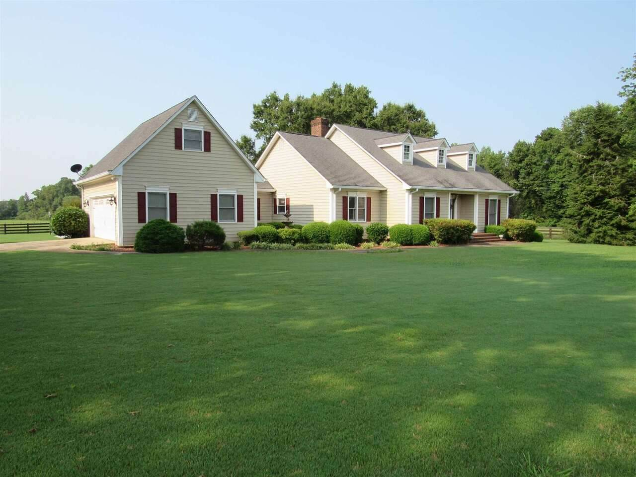 6446 Holly Springs Road - Photo 1