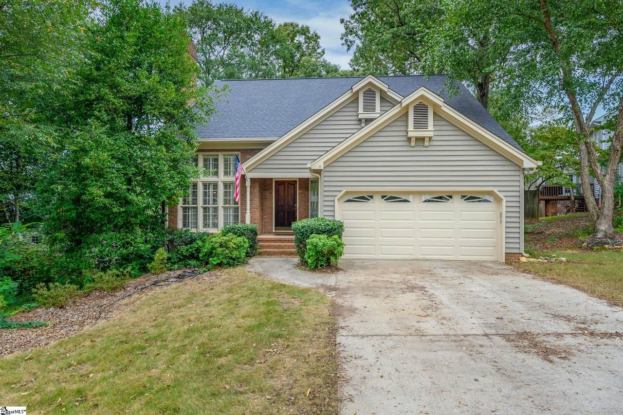 8 Woodway Drive - Photo 1
