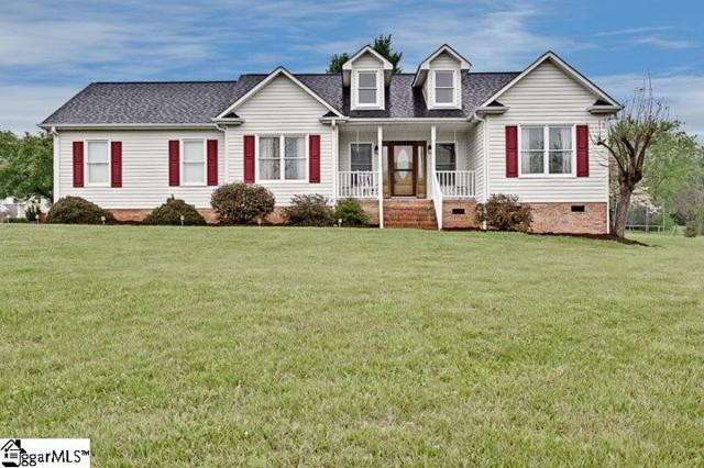 18 Brooke Lee Circle, Taylors, SC 29687 (#1366183) :: Connie Rice and Partners
