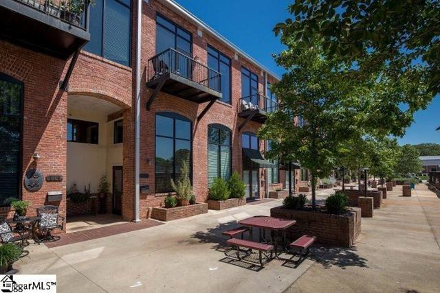 300 South Street Unit 119, Simpsonville, SC 29681 (#1374034) :: Hamilton & Co. of Keller Williams Greenville Upstate