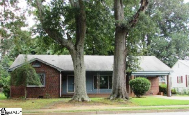 111 Collins Avenue, Spartanburg, SC 29306 (#1374618) :: Connie Rice and Partners