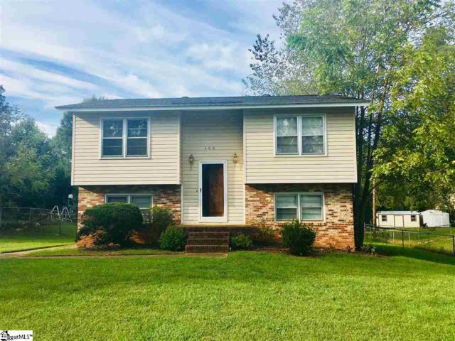 409 W Yellow Wood Drive, Simpsonville, SC 29681 (#1377652) :: Coldwell Banker Caine