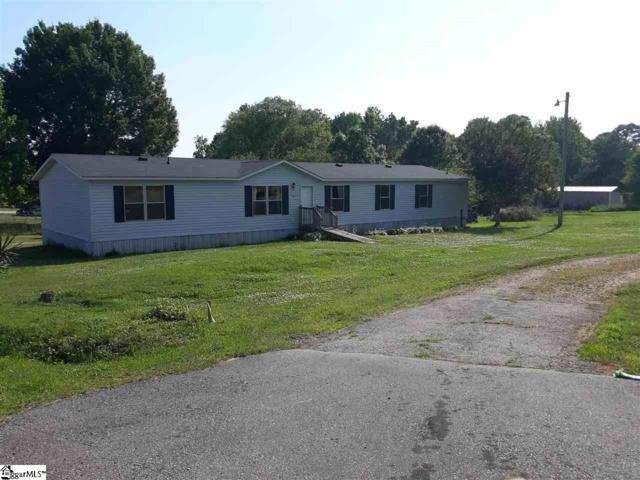 879 N.Old Mill Road, Easley, SC 29640 (#1392761) :: J. Michael Manley Team