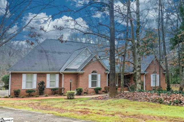 413 N Silver Ridge Drive, Greer, SC 29651 (#1411628) :: Coldwell Banker Caine