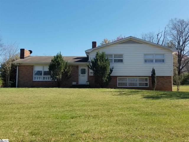 147 Summit Drive, Easley, SC 29640 (#1440905) :: DeYoung & Company