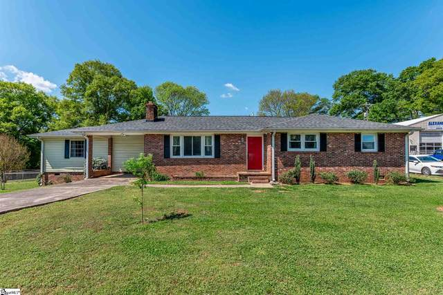 302 S Fishtrap Road, Greenville, SC 29611 (#1442241) :: The Haro Group of Keller Williams
