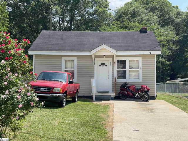 909 Gordon Street Extension, Greenville, SC 29611 (#1443343) :: J. Michael Manley Team
