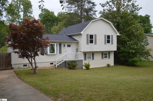 31 Rawood Drive, Travelers Rest, SC 29690 (#1444591) :: DeYoung & Company