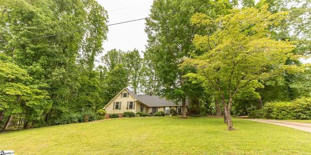 302 Club Drive, Travelers Rest, SC 29690 (#1445939) :: DeYoung & Company