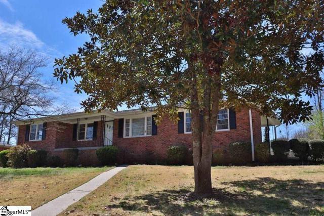 300 Richmond Drive, Greenville, SC 29617 (#1382608) :: J. Michael Manley Team