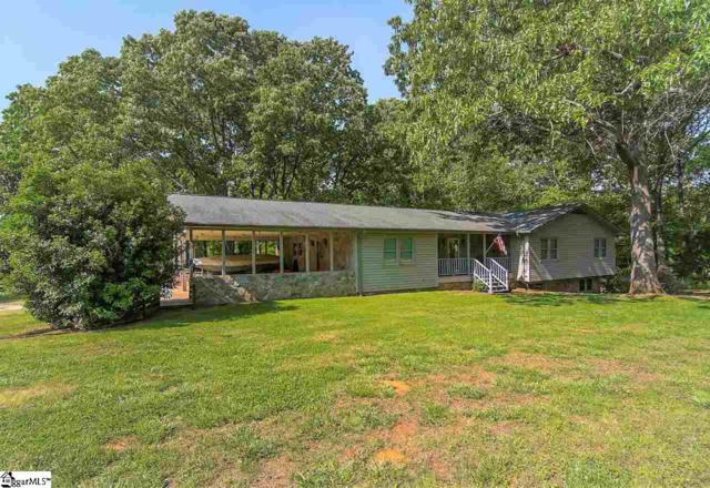 1795 Lakeview Drive, Laurens, SC 29360 (#1391534) :: J. Michael Manley Team